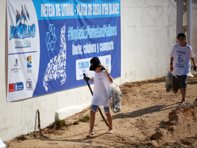 Photo - Beach cleaning promoted by Marineland Mallorca (video)